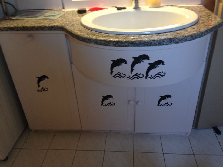 Βάψιμο επίπλων μπάνιου με chalk maker της polyvine