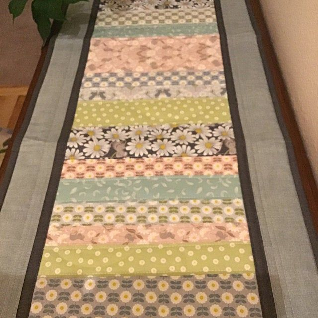 Quilted Table Runner Modern Table Runner Teal Floral Table Topper Retro Floral Table Quilt With Images Quilted Table Runner Quilted Table Runners Quilted Candle Mats