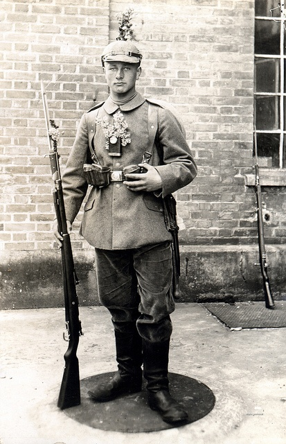"""A Bavarian infantryman from an unidentified regiment armed with a Gew 98 fitted with a S15 """"Gottscho"""" bayonet. WW 1.Unidentified Regiment, Military History, Kaiser Wilhelm, 1Er Guerre, Regiment Arm, Bavarian Infantryman, 98 Fit, S15 Gottscho, Sandroraffini Photoboard"""