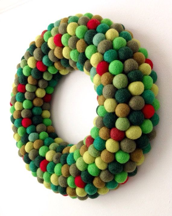 Christmas wreath. Felt ball Wreath. Door Wreath. Christmas Decoration. $125.00