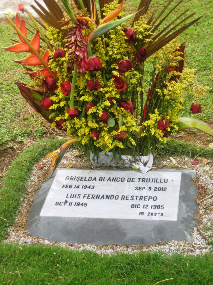 Griselda Blanco Funeral Pics | The headstone of the Griselda Blanco, ´Colombia´s Queen of Cocaine ...