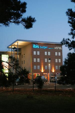 Ibis Budget Aeroport Lyon Saint Exupery - I used the hotel shuttle bus both to get from the terminal (which is where the hire car shuttle dropped me) to the hotel in the evening and to get back from the hotel to the terminal in the morning. The hotel shuttle runs half hourly in the evening which meant that I had a bit of a wait to get from the terminal to the hotel despite phoning the hotel and telling them that I was waiting. The bus runs every 15 mins in the morning starting at 3 am.