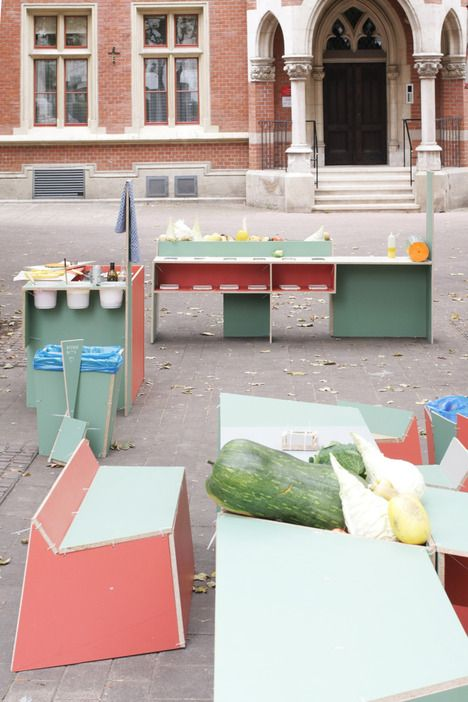 Public kitchen workshop cooks & builds furniture with donations, recycled materials : TreeHugger