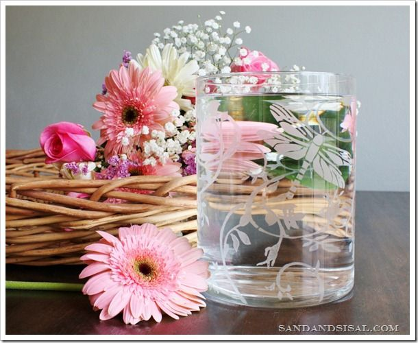 Gorgeous etched glass vase for Mother's Day #DIY: Decor Crafts, Crafts Etchings, Mothers Day Gifts, Glasses Vase, Diy Crafts, Diy Bracelets, Martha Stewart Crafts, Glass Vase, Etchings Glasses