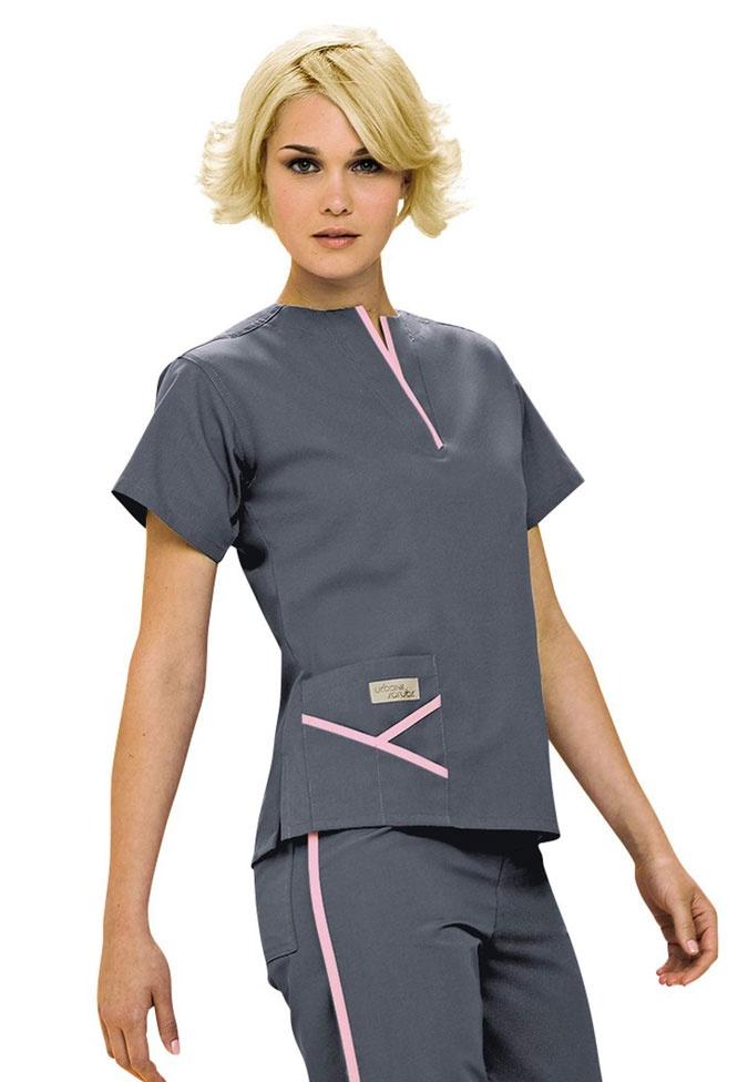 Urbane Y-pocket scrub top. - Scrubs and Beyond