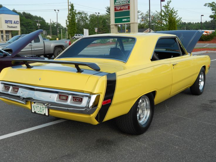 Pictures of old 70 dodge swinger car the
