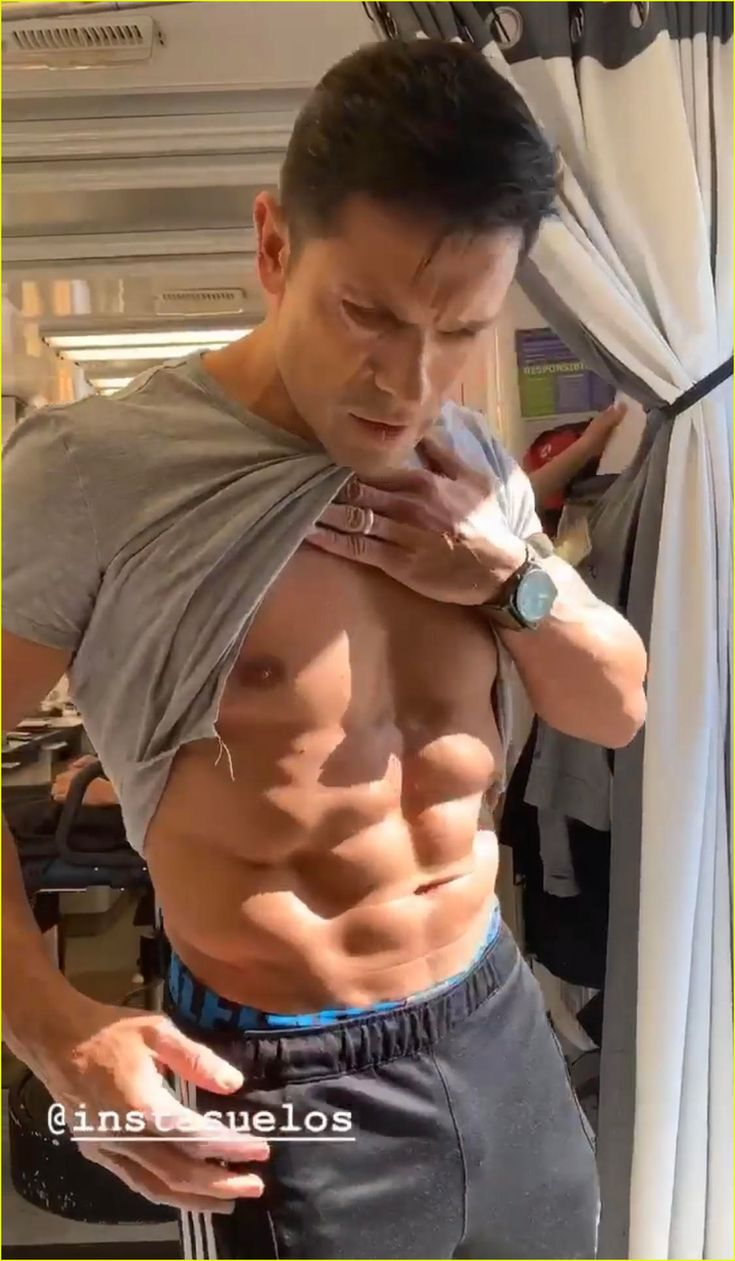 Mark Wahlberg Shows Off His Six-Pack Abs Again During