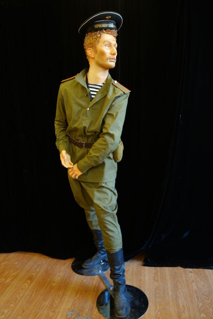Морской пехотинец в исторической одежде времен Великой Отечественной войны.