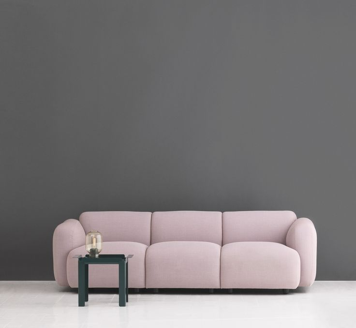 A rose Swell sofa and Box table from Normann Copenhagen