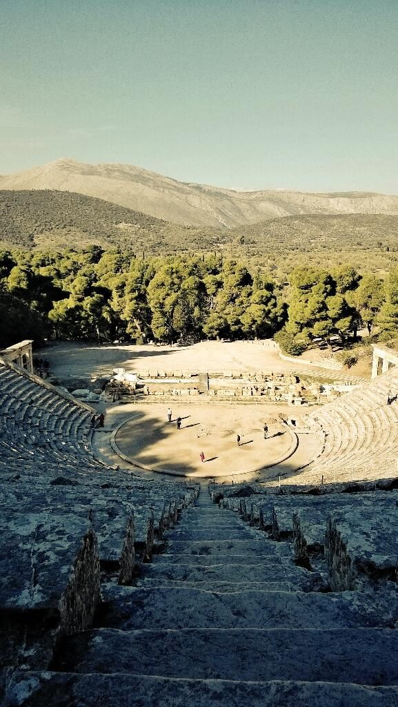 The wonderful acoustics for which the ancient Greek theatre of Epidaurus is renowned may come from exploiting complex acoustic physics.The theatre, discovered under a layer of earth on the Peloponnese peninsula in 1881 and excavated,has the classic semicircular shape of a Greek amphitheatre,with 34 rows of stone seats .Its acoustics are extraordinary: a performer standing on the open-air stage can be heard in the back rows almost 60 metres away.via@NickMalkoutzis