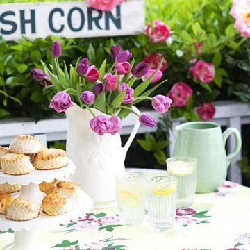 Find Fun And Clever Ideas For Outdoor Table Decorations Your Next Party Or Family Gathering