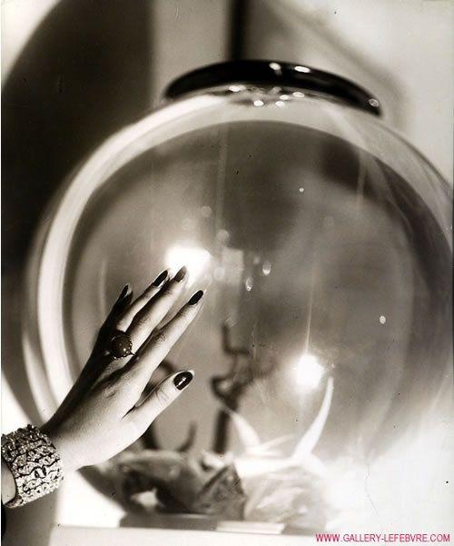 Renee Perle's hand, photographed by Jacques Henri Lartigue. Photo name: Etudes de Mains. check Renee Perle's photos for more vintage nail art.