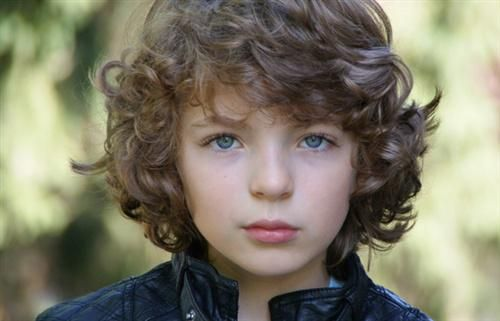 #Outlander Casting News: Say hello to Fergus, played by young actor Romann Berrux  http://outlander-italy.com/casting-news-stagione-2-romann-berrux-e-il-giovane-fergus/…