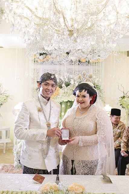 Pernikahan Jawa dengan Sentuhan Merah ala Puri dan Luhuri - IMG_1884