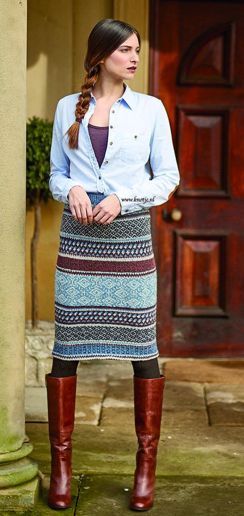 Breien. Deze rok kun je ook dragen als colsjaal. Gemaakt met de Rowan Felted Tweed. Felted Tweed is een combinatie van merinowol, alpaca en viscose, en een van de populairste garens uit de Rowan collectie. Het unieke aan dit tweed garen is dat het al lichtjes gevilt is, waardoor het breiresultaat eruit ziet als een lichtgewicht werk, met een gevilt effect. Balfour Skirt 1kopie.jpg