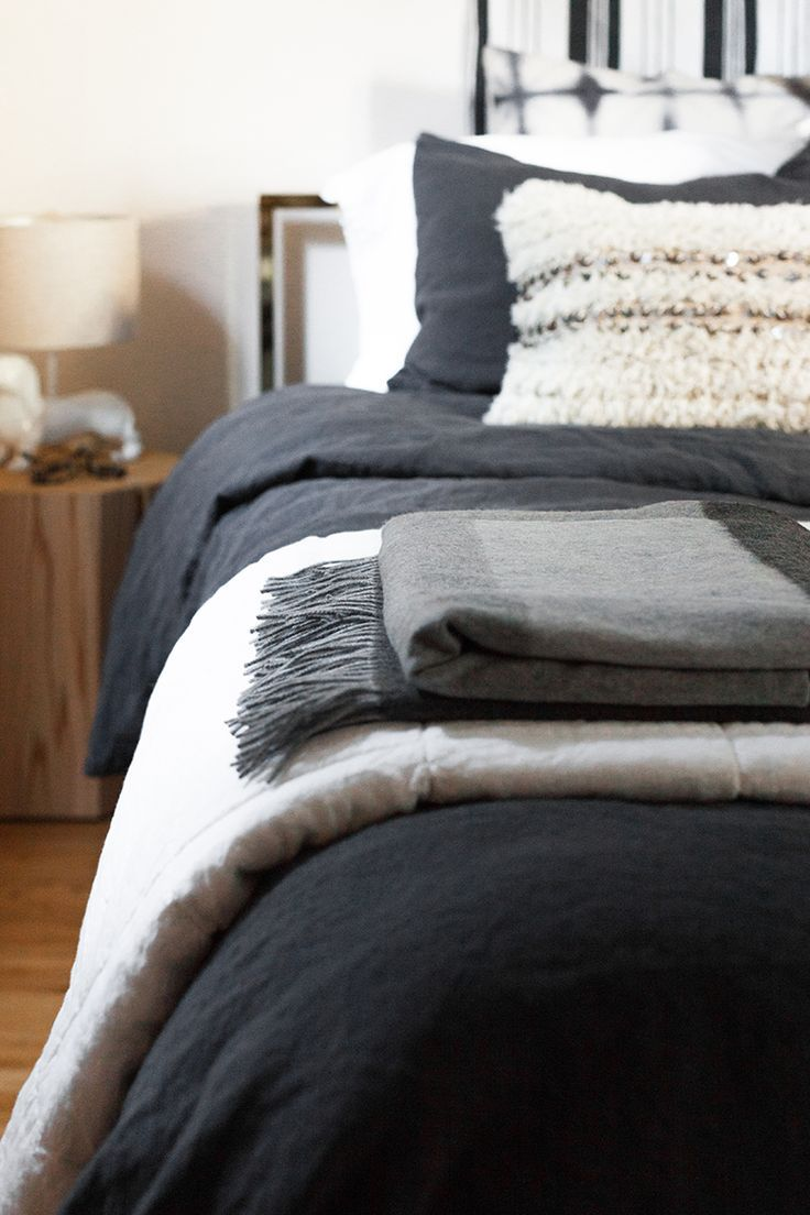 Black and grey bedding - 17 Best Ideas About Dark Grey Bedding On Pinterest Scandinavian Bedroom Products Grey And White Bedding And Dark Bedding