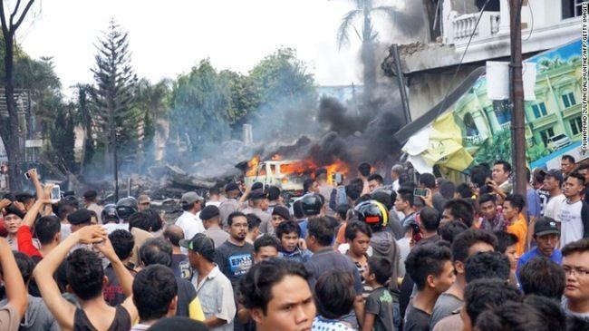 Indonesia: Rơi máy bay quân sự, ít nhất 30 người thiệt mạng