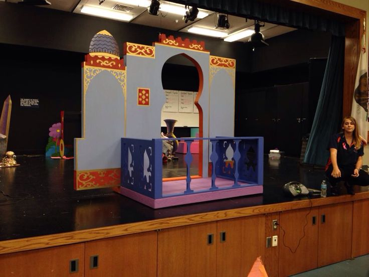 Palace Balcony For Aladdin Theater Sets Props