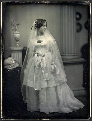 A beautiful bride, 1850. #Victorian #wedding #portrait