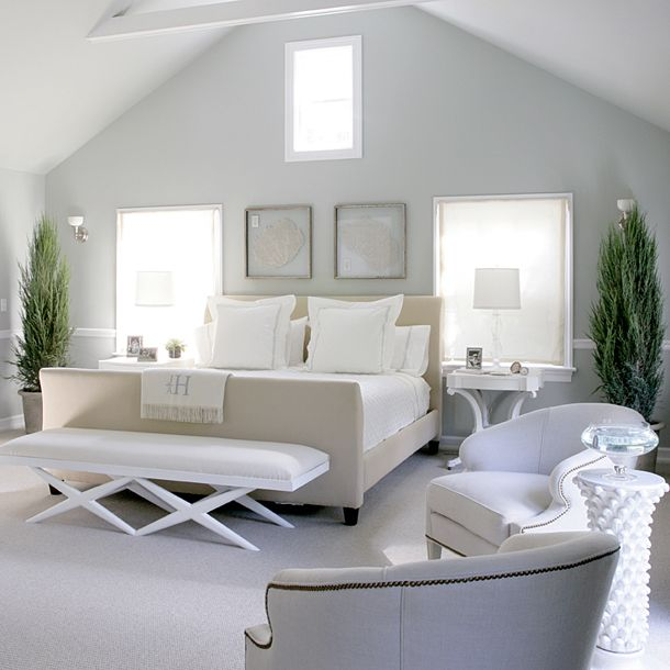 Google Image Result for http://www.thelennoxx.com/wp-content/uploads/2010/10/beautiful-blue-classic-bedroom.jpg