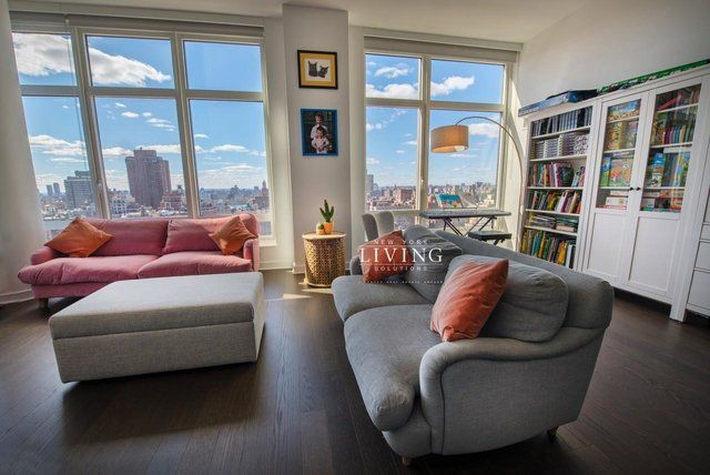 1 Bedroom At East 92nd Street Posted By Alex Caballero For Renthop Apartments For Rent New York Apartments Upper East Side
