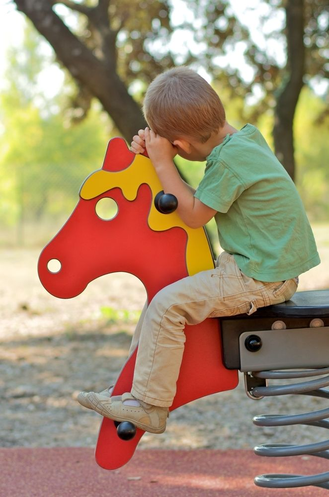 10 Early Autism Symptoms in Young Children