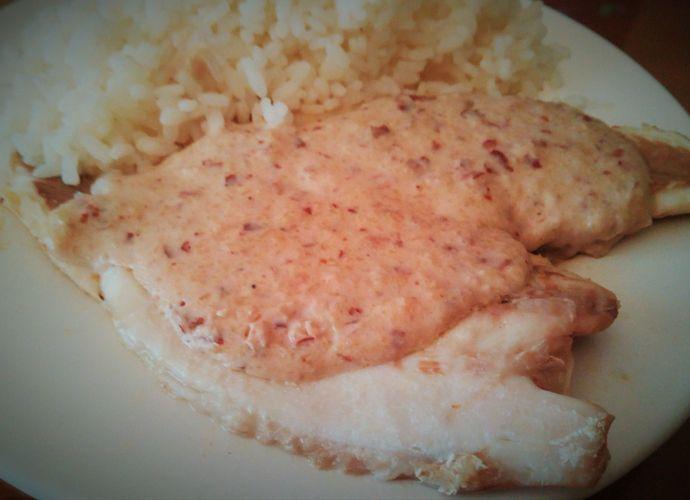 Lubina con Salsa de Almendras para #Mycook http://www.mycook.es/receta/lubina-con-salsa-de-almendras