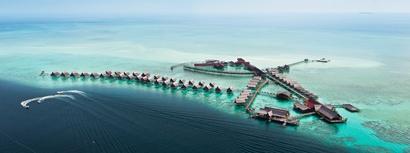 Kapalai Resort, Malaysia.  Photo by Peter Wong.
