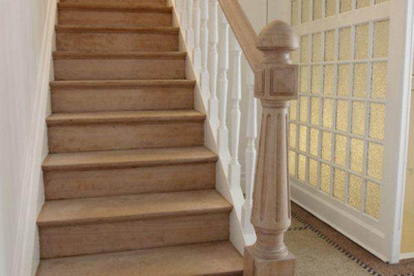 magnifique escalier bois naturel