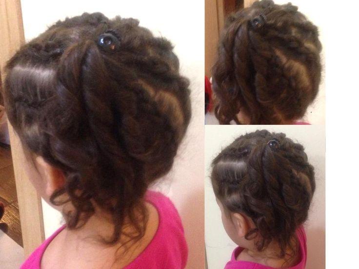 Cette coiffure consiste à faire des nattes collées penchant vers les côté puis de faire plusieurs anglaises avec le reste des cheveux