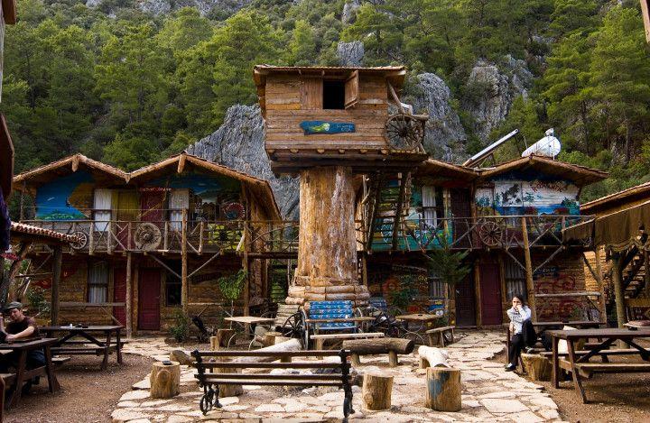 Fairytale hostels img35385-Olympos---Kadir's-Yoruk-Top-Tree-House-Fire-Place
