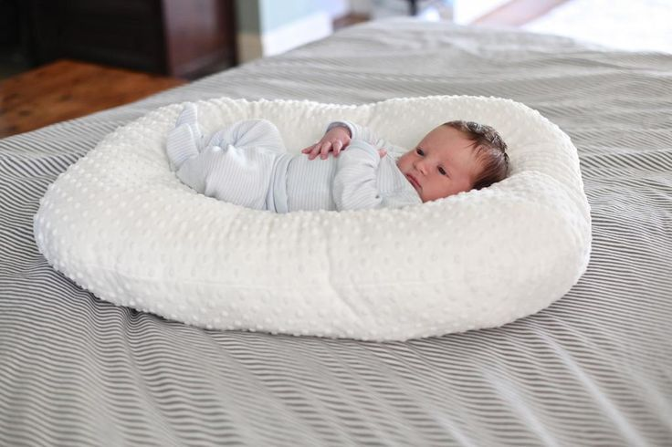 Baby Lounger - Bower Power. Just made this, took me about an hour! Cost me $10 in materials, and the minky fabric is soooo soft!!: