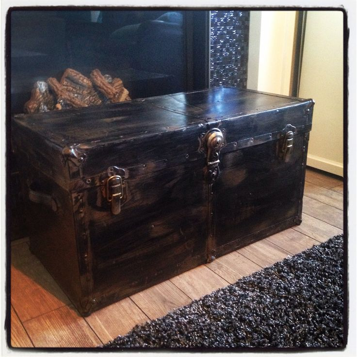 Steamer Trunks Are My Favourite! Van Gogh Balsamic, General Finishes Lamp  Black And High