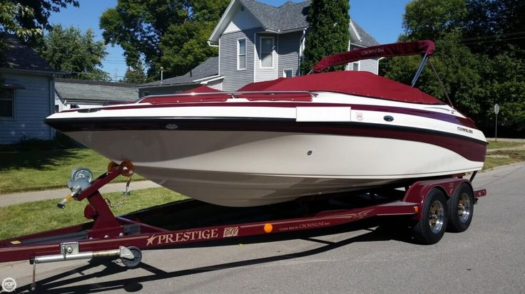 2004 Used Crownline 202 BR Bowrider Boat For Sale - $25,200 - Washington, IA | Moreboats.com