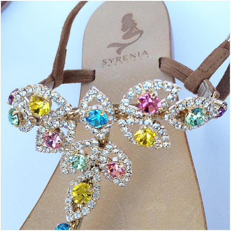 Sandali Gioiello   Personalizzabili in diversi colori #sandali 100% MADE IN ITALY Custom Your CapriSandals Worldwide Shipping+39 3661144080 ✉️Info&Order info@syreniasorrento.com #sandaligioiello #jeweledsandals #colors #tbar #flatsandals #syrenia #syreniasorrento #syreniacaprisandals #bikini #fashion #capri #madewithlove #italia #handmade #customorder #diamondlife #estate #summerstyle #blogger #swarovskicrystals #shoes