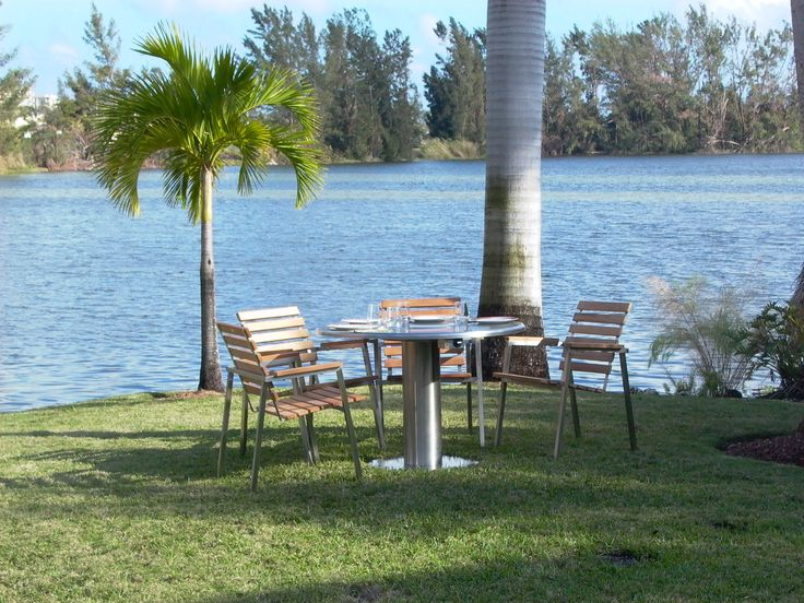 'Tis the season for outdoor dining in Florida!