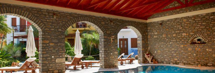 Pool på hotel Iapetos Village på Symi, Grækenland