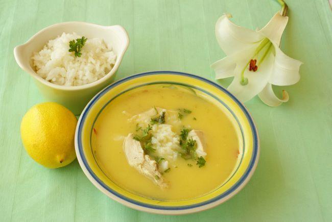 Supa greceasca de pui cu lamaie - Foodstory.stirileprotv.ro
