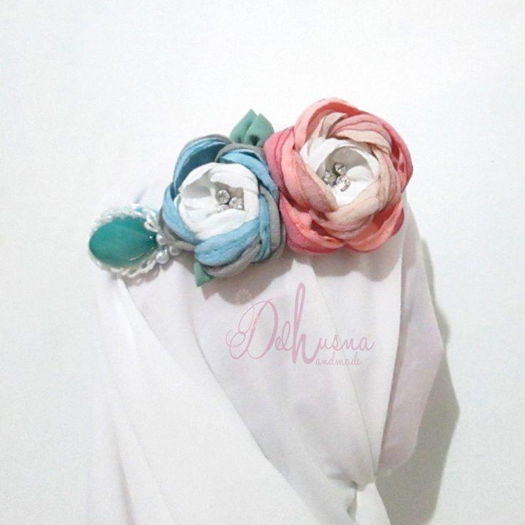 Headpiece nuansa pelangi indah banget :) yuk di order di www.delhusnashop.com   #headpiece #jualheadpiece #hijabheadpiece #hijabaccessories headpiece hijab terbaru 2015