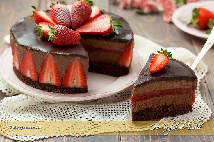 Torta mousse al cioccolato e fragole