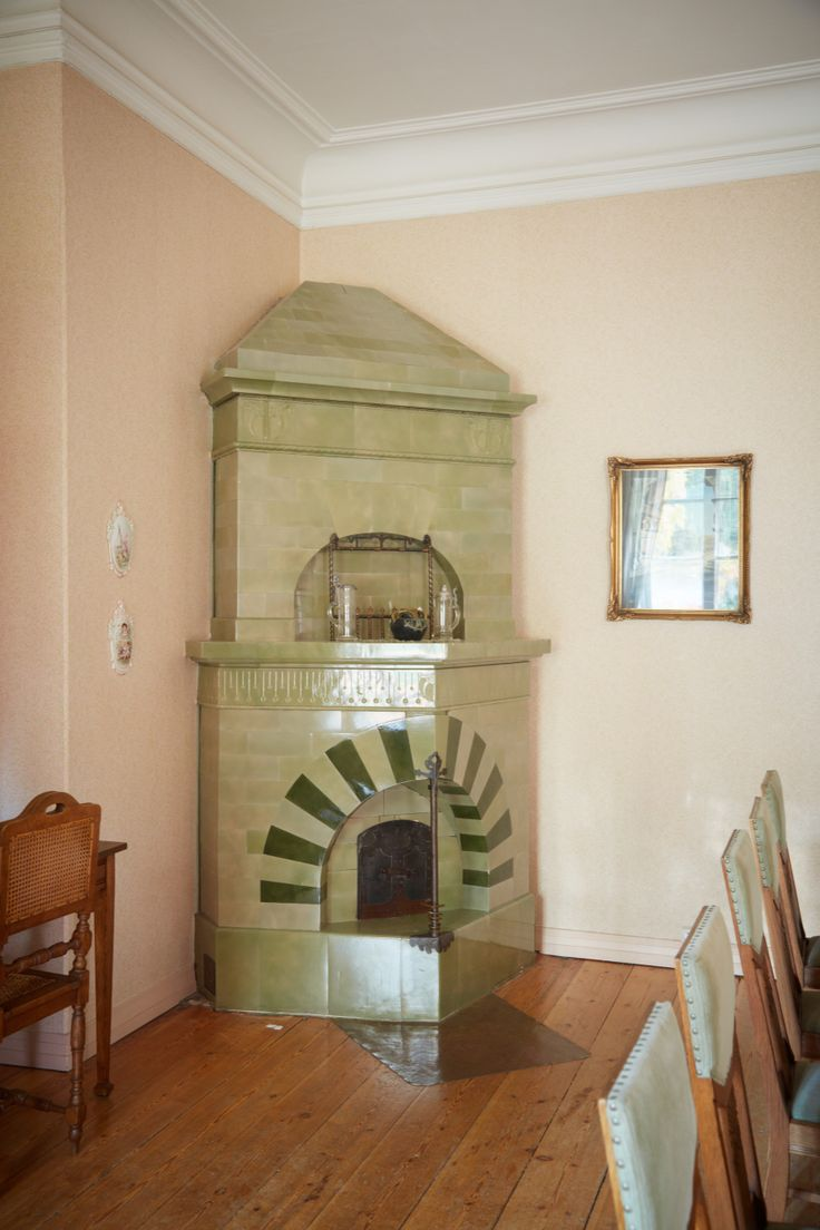 These fireplaces you can find from our manor. This one is located in 1st floor, Grenman Hall.