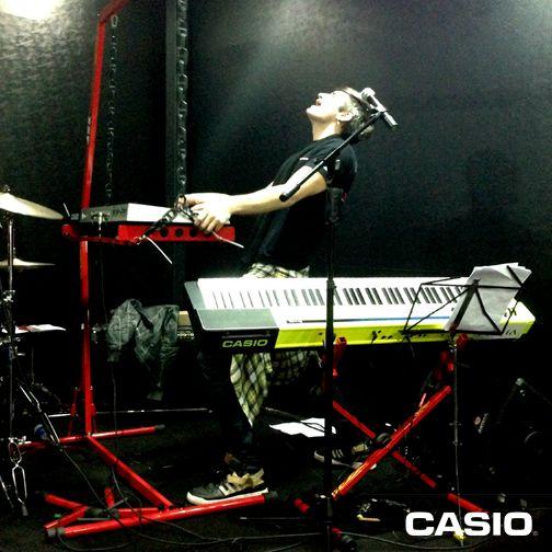 É Rock n' Roll que você quer? A gente tem também! Juninho Carelli em nosso estande na Feira Expomusic!