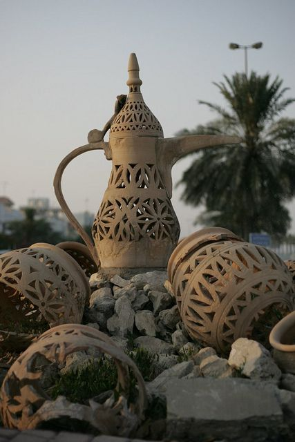 bahrain pottery. Though Mesopotamian, later potteries discovered indicated that they were created in Bahrain. Archaeologists have traditionally agreed that the earliest potteries made in the islands were made in 2300 BC. Potteries are still made traditionally in villages, particularly A'ali village which utilises the mud from the nearby flats in Riffa.