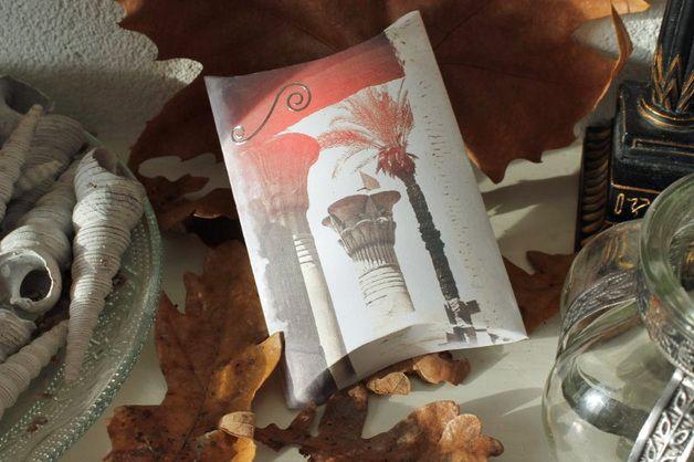 SOLD Geschenkdoosje/Pillow box Zuil Tempel Karnak - Uniek cadeau doosje. Leuk om te geven met een klein cadeautje, sieraden of geld. - - - - Unique gift box. Lovely to use to wrap a small gift, jewelery or money.