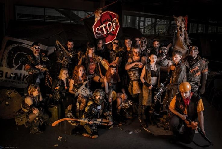 Slavers Team OUTPOST faction on OldTown Festival