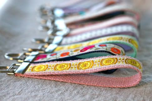 How to Make A Wristlet Key Fob | Pretty Prudent                                   +                           PRACTICAL!