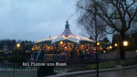 LAs tazas. Disneyland Paris en invierno. Viajes con niños. Travelling with kids