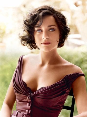 A brief history in pictures of the best French girl hair of all time–Marion Cotillard.