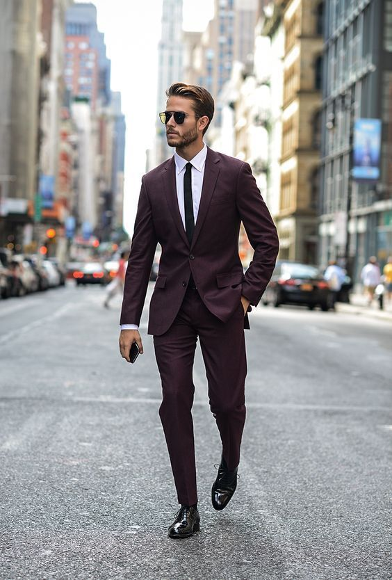 Costume chic avec une cravate slim noire #look #men #tenue #costume #mode #homme