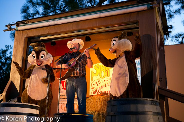 Campfire Sing-Along with Chip and Dale ~ WDW Hints